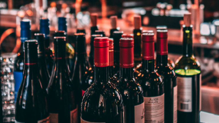 Hoge kwaliteit wijn en sterke drank